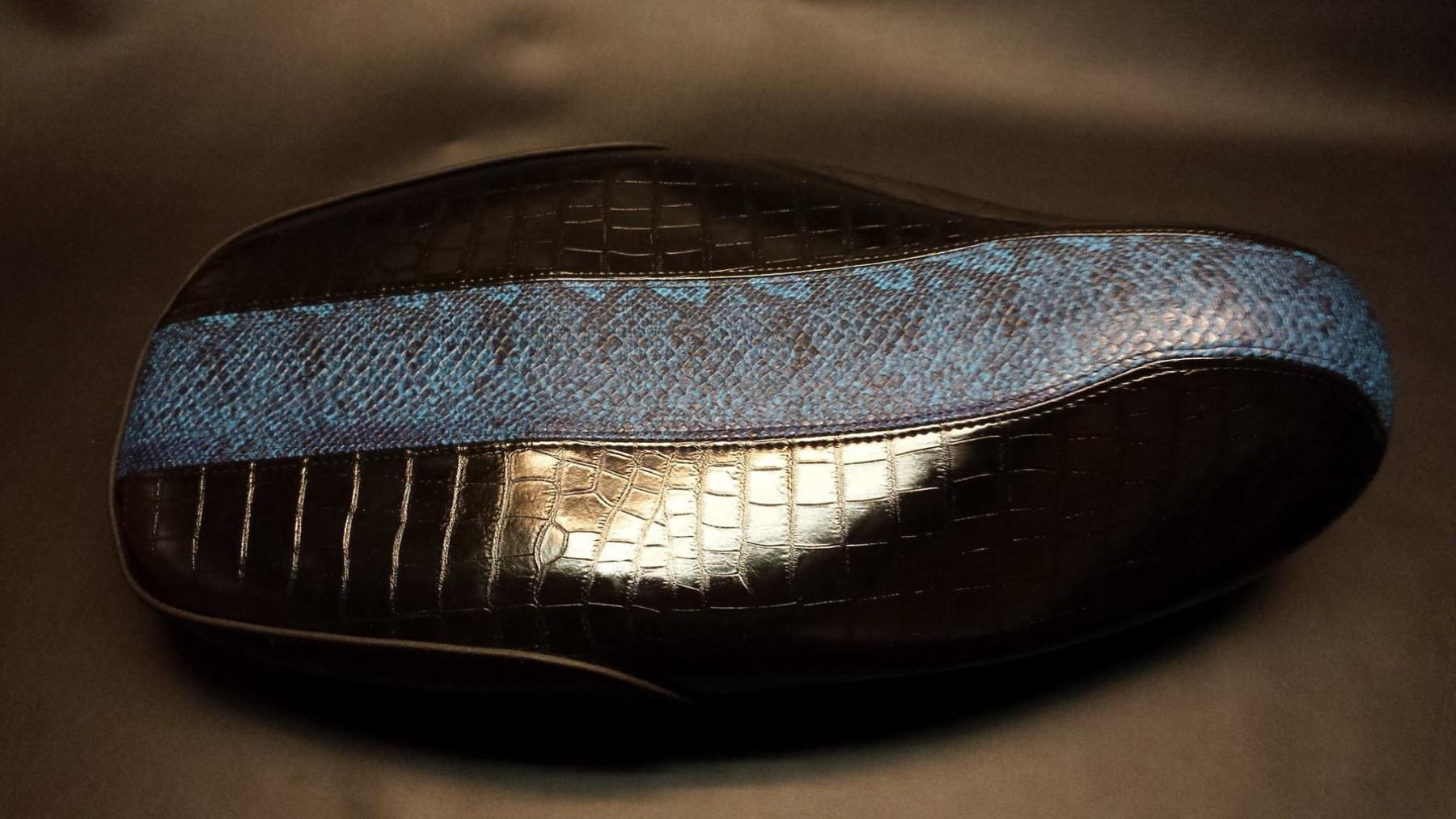 Custom zadel
