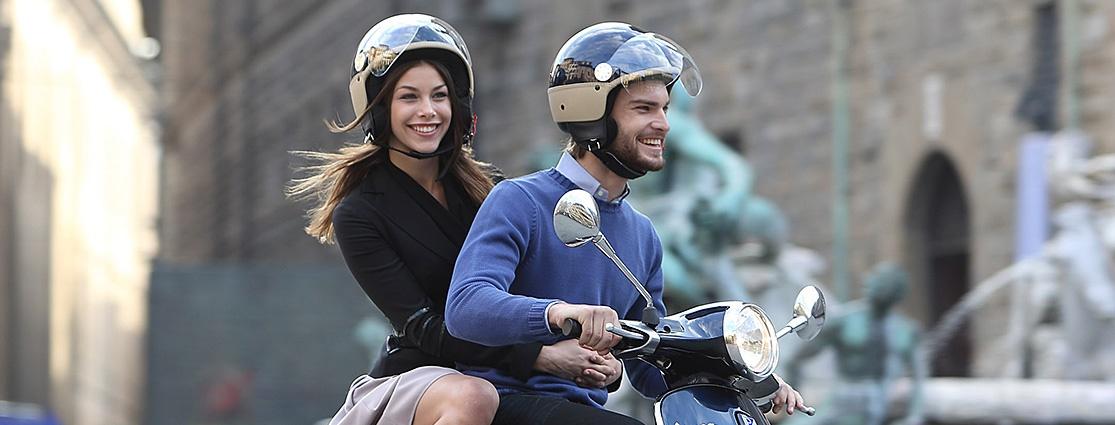 Een proefrit maken op een scooter, fiets of e-Bike.  Of maak kennis met de rij-eigenschappen van een bakfiets.  Maak snel een afspraak.